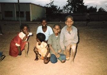 Enfants_de_ouaga_dcembre_1986_v2
